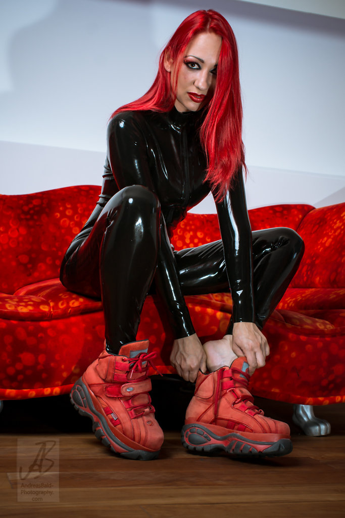 Etayn20-Latex-Buff-201708-05655.jpg