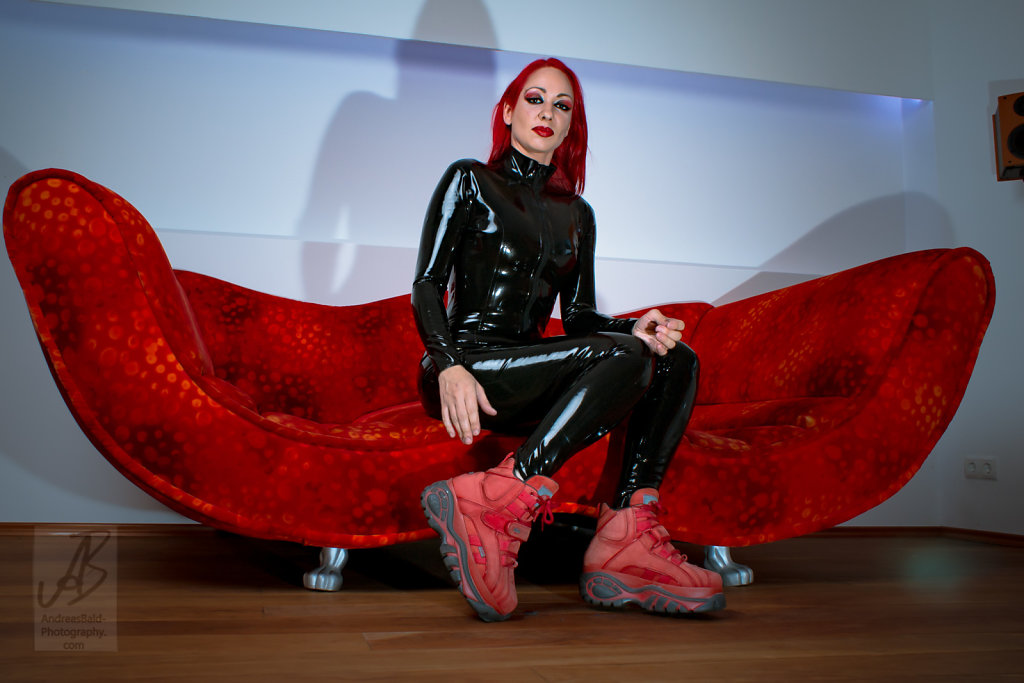Etayn20-Latex-Buff-201708-05667.jpg