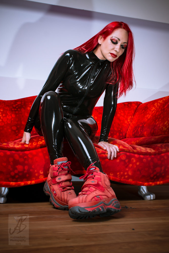 Etayn20-Latex-Buff-201708-05678.jpg