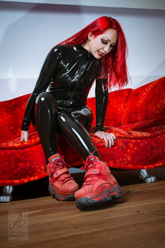 Etayn20-Latex-Buff-201708-05681.jpg