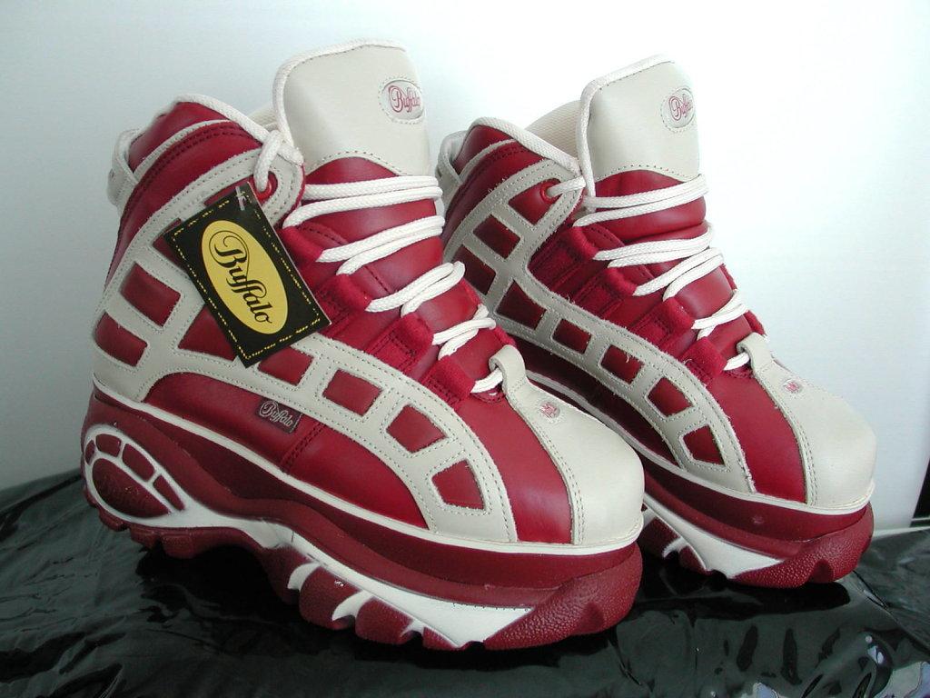 2003-rotbeige-s1a-01.jpg